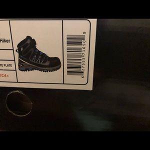 Helly Hansen Shoes - Helly Hansen steel toe boots